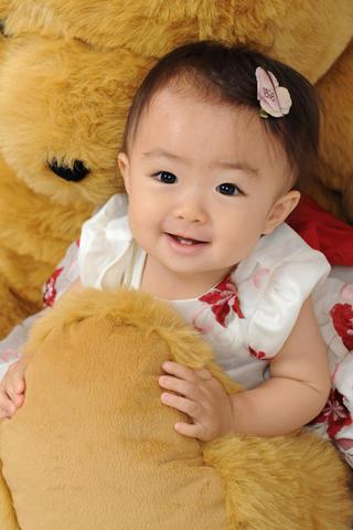 お宮参り・1歳お誕生日・ベビードレス・クマさんと一緒
