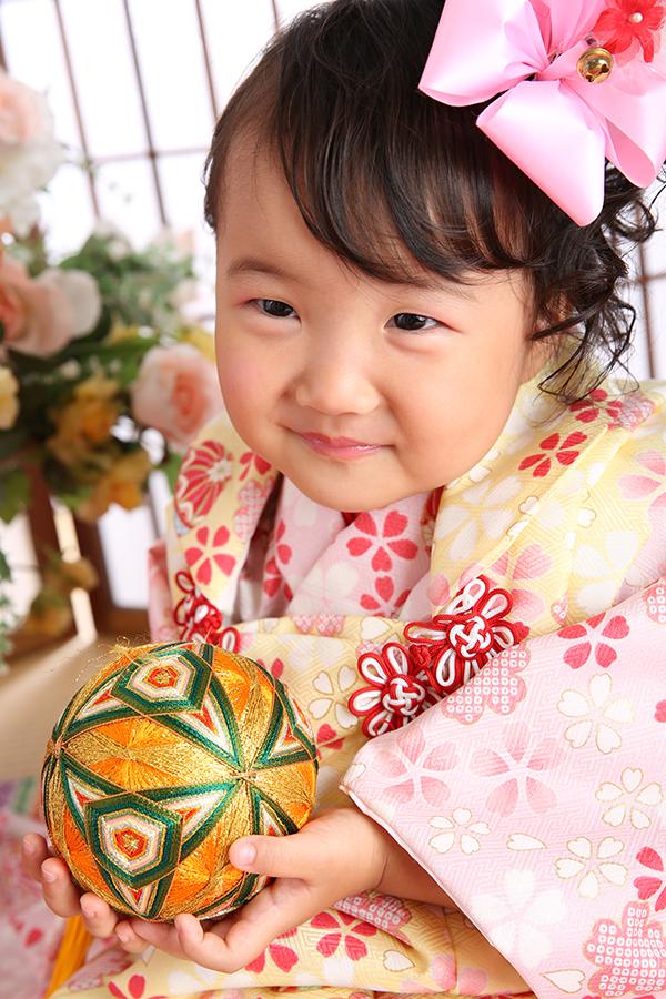 3歳祝着・薄ピンク×薄黄色・小桜・鞠と