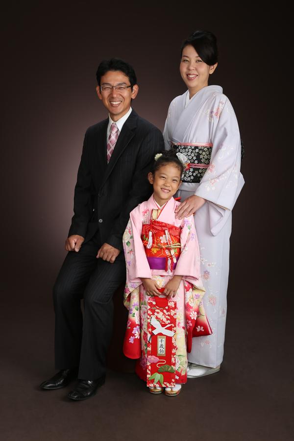 家族写真 七五三 7歳 ママ着物