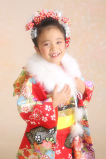 七五三・7歳・日本髪・祝着物・赤・古典和柄