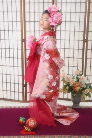 バースデー記念写真・着物・お引きずり・赤×ピンク