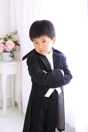七五三・五歳・タキシード・黒×白