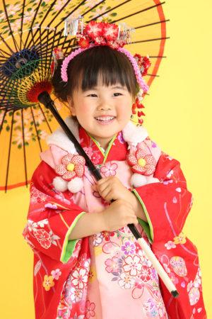 七五三・3歳着物×被布・赤×ピンク・日本髪