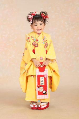 七五三・3歳・着物と被布・黄色