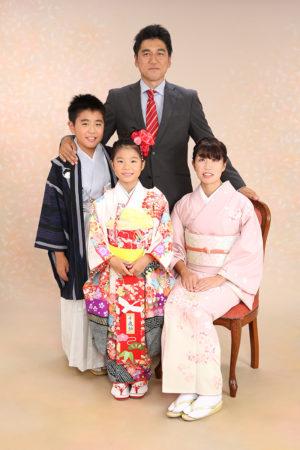 七五三・7歳・家族写真・ママも着物・お兄ちゃんも着物