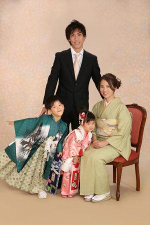 家族写真・お母様も着物