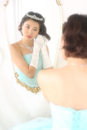成人式・20歳・ドレス・水色・鏡