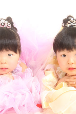七五三・3歳・ドレス・双子ちゃん・ピンク×黄色