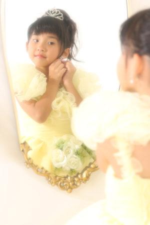 七五三・7歳・ドレス・黄色・鏡