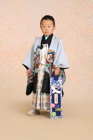 七五三・5歳・羽織袴・薄水色×黒・古典柄