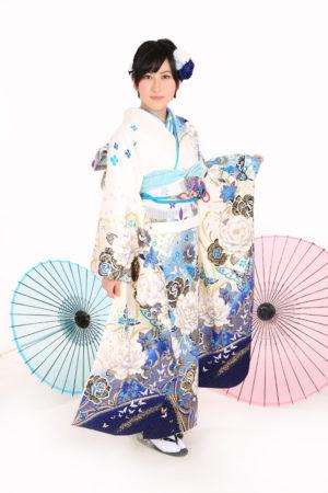 江戸川区・30年成人式振袖・白×青・蝶・バラ