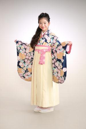 江戸川区 30年小学校卒業袴 紺着物×白袴