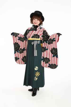 卒業袴・モダン柄・赤白ストライプ・ハット×ブーツ