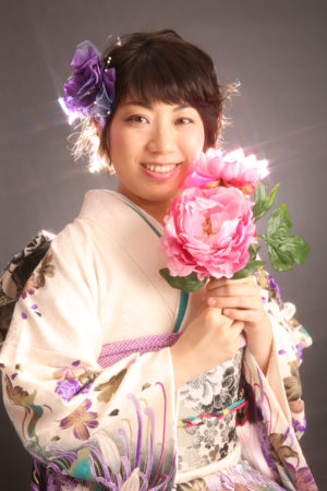40歳成人式・振袖撮影・白×紫・百合