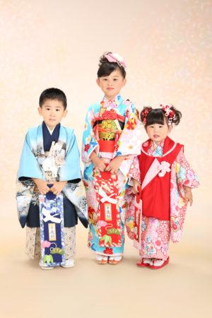 姉弟妹で着物撮影・七五三・3歳・5歳・7歳