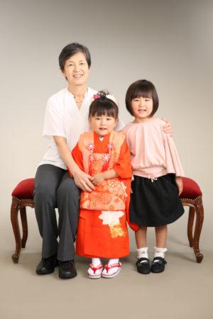 家族写真・3歳・お姉ちゃん・おばあちゃんと一緒
