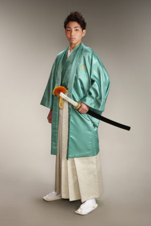 成人式・男性袴・緑×白金・剣