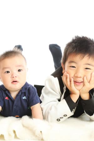 本八幡 市川市 七五三 五歳 5歳 前撮り 記念写真 兄弟 家族写真 タキシード